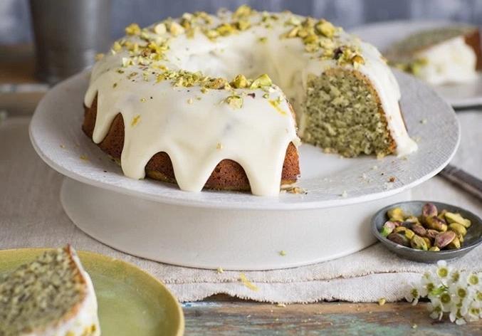 Κέικ γιαούρτι με γλάσο λεμόνι