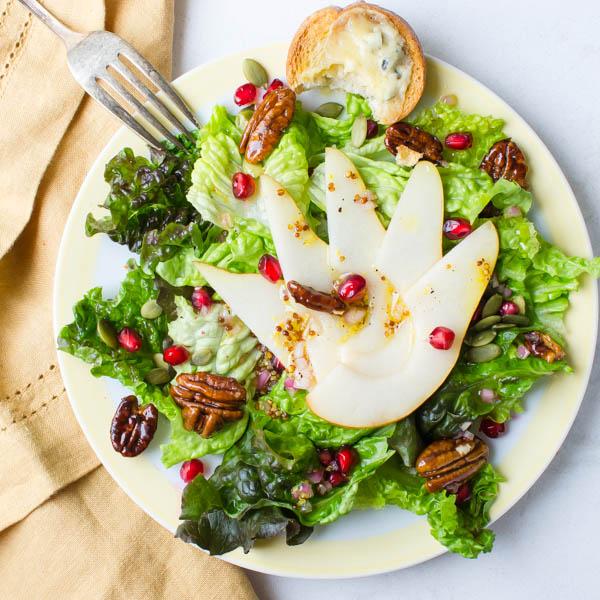 Γιορτινή σαλάτα με αχλάδι