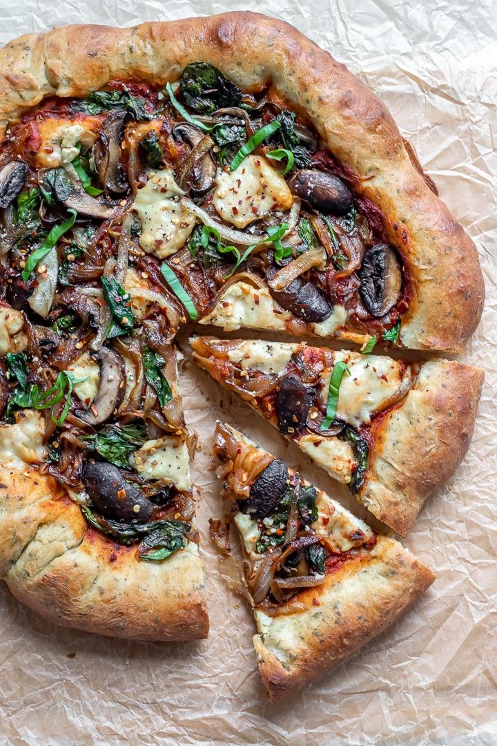 Πίτσα χωριάτικη