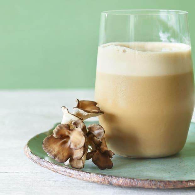 Ζεστή σοκολάτα και καφές latte